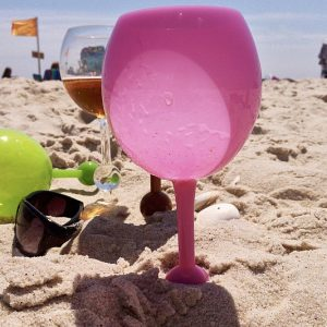 Floating Self Standing Wine Glass