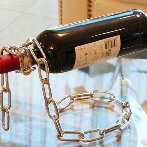 Metal Chain Wine Stand