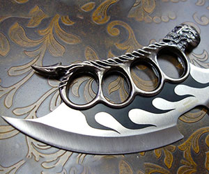 Skull Knuckle Knife