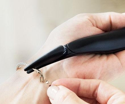Bracelet Clasp Helper Tool