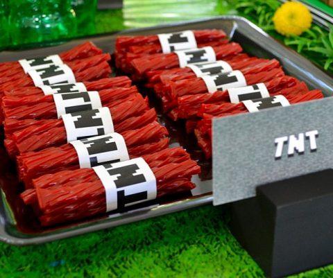 DIY Minecraft TNT Party Wraps