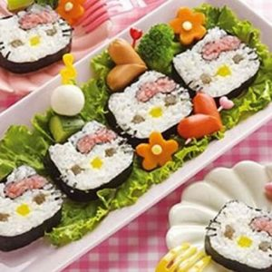 Hello Kitty Sushi Rolling Set