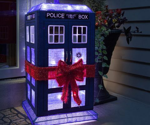 TARDIS Light Up Lawn Decoration