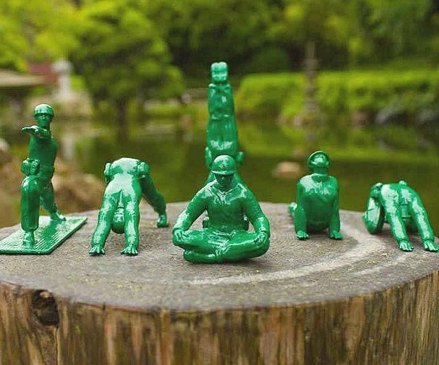 Cool Toy Army Men : Yoga pose green army men toys interwebs