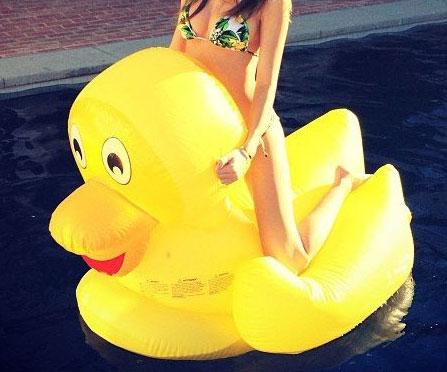 Giant Rubber Duck Pool Float Interwebs