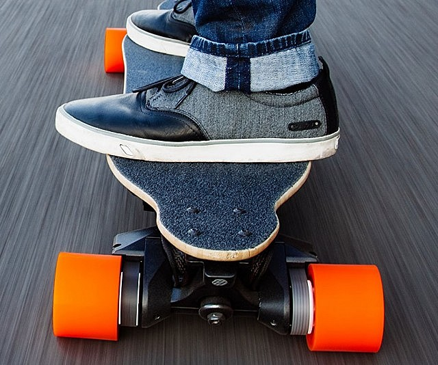Remote Control Electric Skateboard  INTERWEBS