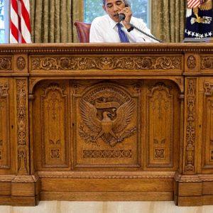Replica Oval Office Desk