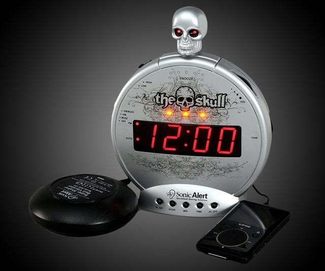 The Alarm Clock Rings In Spanish