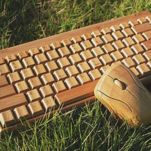 Wireless Wooden Keyboard & Mouse