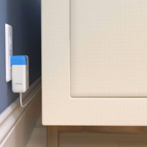 Blockhead Side-Facing Apple Plug