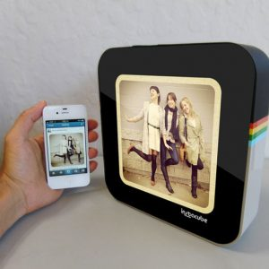 Instacube - Real-Time Instagram Photo Frame