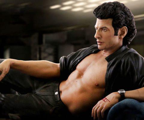 Jeff Goldblum Ian Malcolm Statue