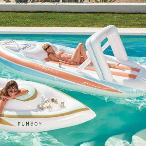 Mega-Yacht Pool Float